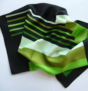Nickituch PES ca. 53 x 53 cm Streifen Grüntöne / schwarz