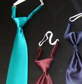 Herren Krawatte REGATTES uni PES mit Gummiband ca. 7,0 cm breit